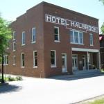 Halbrook Hotel opened in 1913